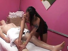 Gentle tugjob and orall-service performed during massage