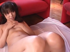 Breasty Oriental charms a palpitating shlong with juicy engulfing